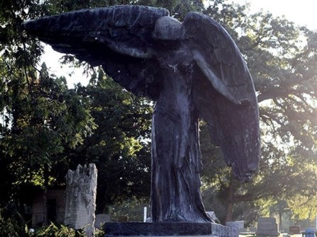 Black-angel-statue-of-Oakland-Cemetery